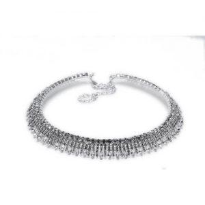 Imagen del collar Pavé Colgando rodiado y cristal blanco. sobre fondo blanco